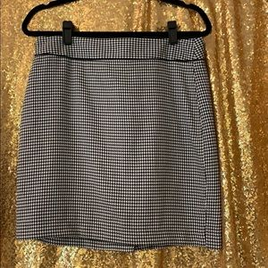 Banana Republic Houndstooth Skirt Size 10P